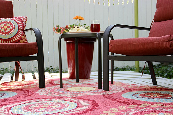 Wood Pallet Deck covered with Rug