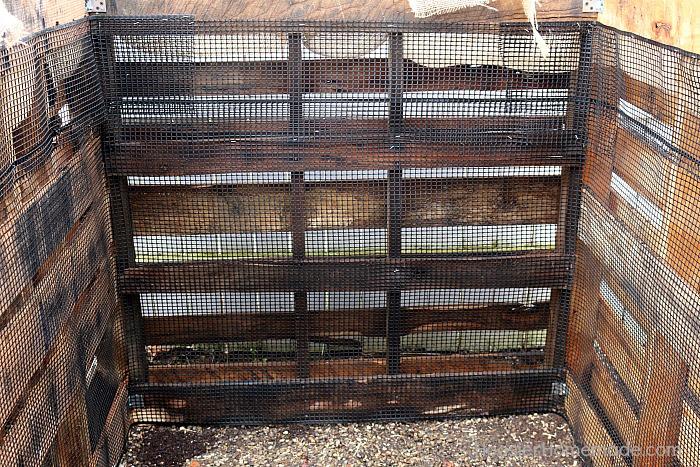 Add netting to Wooden Pallet Compost Bin
