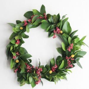Easy Christmas Wreath :: HoosierHomemade.com