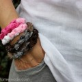 DIY Craft: Yarn Bracelet & Necklace in Minutes :: Instructions on HoosierHomemade.com