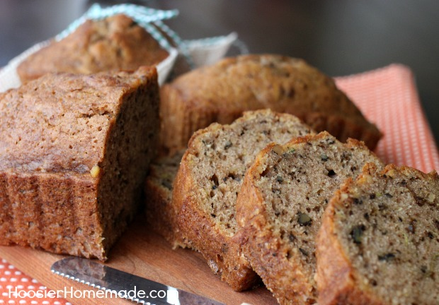 Zucchini Bread Recipe | on HoosierHomemade.com