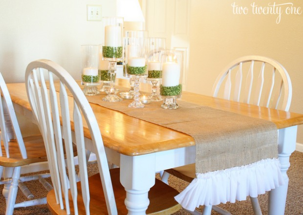 Ruffled Burlap Table Runner : 100 Days of Homemade Holiday Inspiration on HoosierHomemade.com