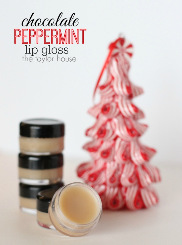 These easy to make DIY Chocolate Peppermint Lip Gloss is perfect for teachers, friends, co-workers and more! Visit our 100 Days of Homemade Holiday Inspiration for more recipes, decorating ideas, crafts, homemade gift ideas and much more!