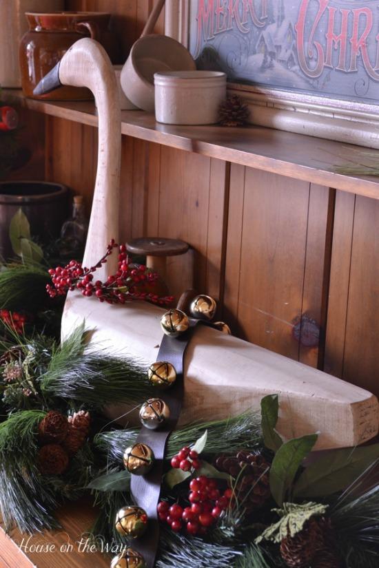 Christmas Decorations | 100 Days of Homemade Holiday Inspiration on HoosierHomemade.com