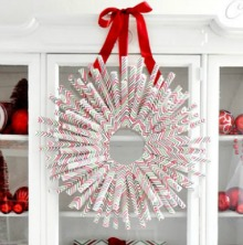 diy-wrapping-paper-wreath.PAGE