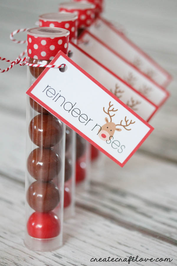Reindeer Noses- the perfect gift for kids to make!