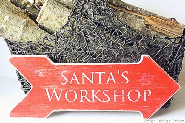 DIY Distressed Santa's Workshop Sign