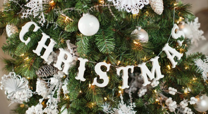 let it snow christmas tree holiday inspiration hoosier homemade - Snow Christmas Tree